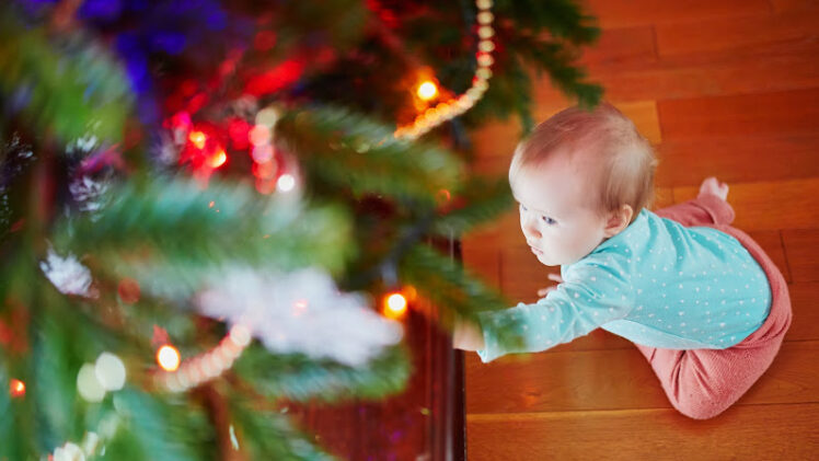 10 Easy Ways to Toddler Proof Your Christmas Decorations