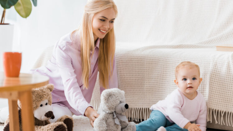 Top 12 Minimalist Baby Toys For the First Year (& Beyond)