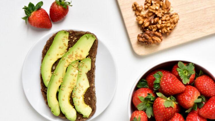 healthy breastfeeding snacks - avocado, strawberries and nuts