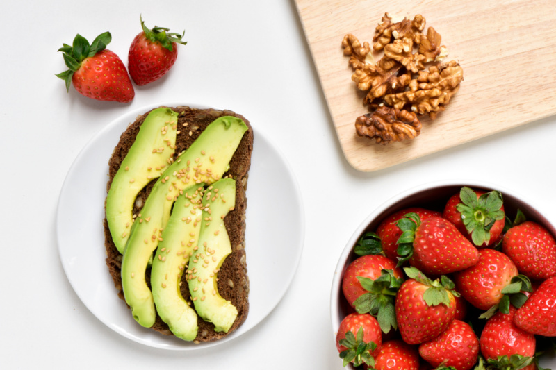 healthy breastfeeding snacks - avocado, strawberries and nuts